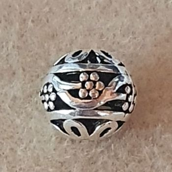 Round Hollow Flower Bead