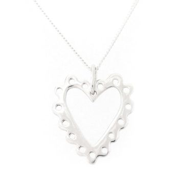 Frilly heart pendant