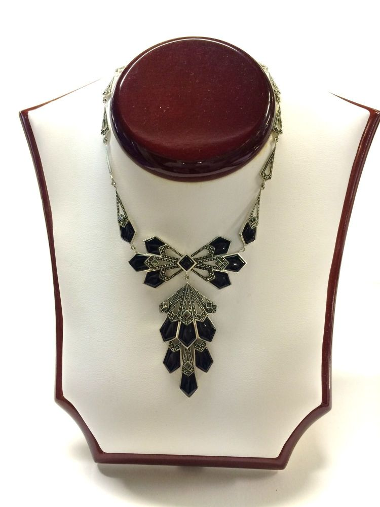 Silver and marcasite necklace with black detail. Art Deco style .