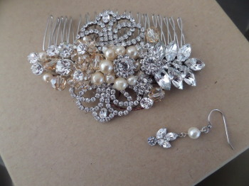Bespoke comb made with a bride Grandmothers pearls