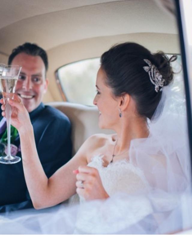 Jo Barnes bride in Audrey comb