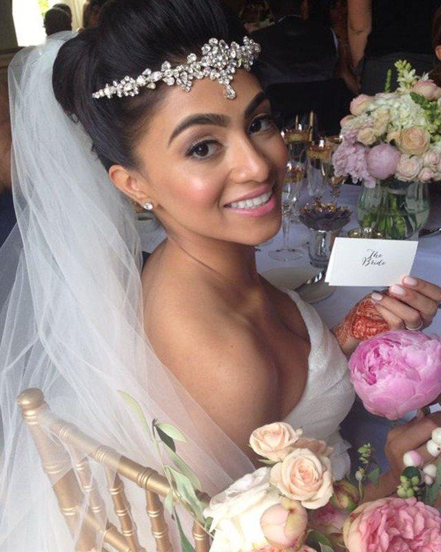 Jo Barnes bride in Elizabeth