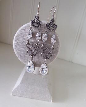 Luna Earrings