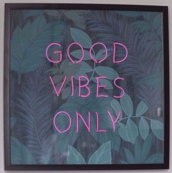 GOOD VIBES ONLY Pink Neon Sign With Blue Leaf Wallpaper