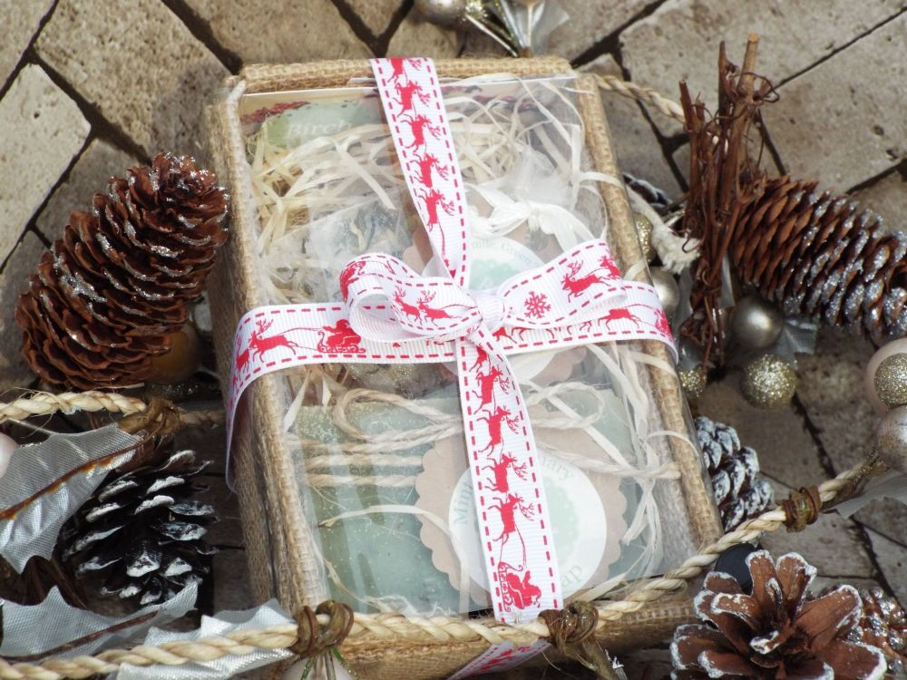 Soap and bath tea gift set with Christmas ribbon