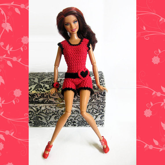 Barbie clothes crocheted red and black beach outfit shorts top and accessor