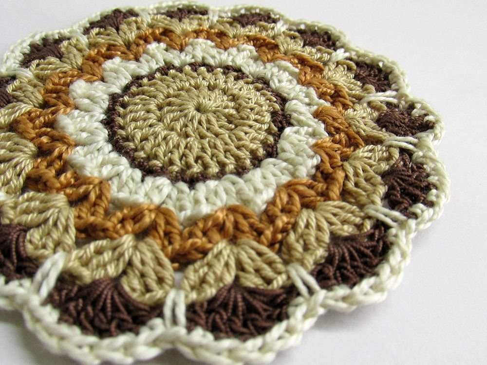 Crocheted flower motif, brown shades, 3,5 inches wide, 1pc. (A10034)