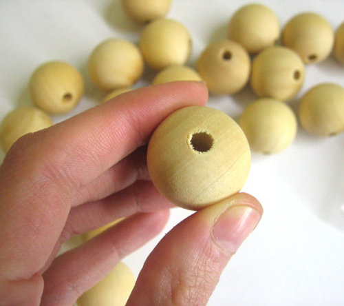 Wooden beads 25 mm round unfinished, 10 pc. (A30009)