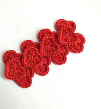 Small red hearts, 0.8 inches, crocheted, 12pc. (A10036)
