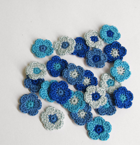 Tiny crochet flower appliques 0.8 inches, blue mix, 24pc.