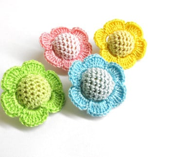 Crocheted beads - flowers, 20 mm handmade round balls cotton on wood, colorful mix (B20045)