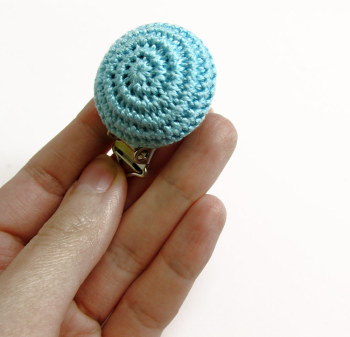 Pacifier clip, wood, crocheted, light turquoise blue, 1pc. (G70002)