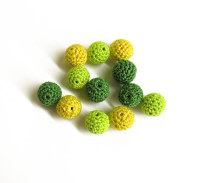 Crocheted wood beads, 14mm, green, yellow mix, 12 pc. (B20047)