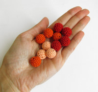 Small beads, 14mm, crocheted, wood, red orange mix, 12pc. (B20048)