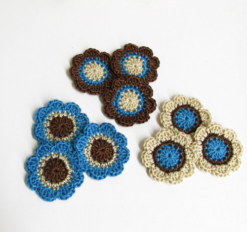 Handmade flower appliques in blue brown cream 1,4 inches, 9pc. (A10066)