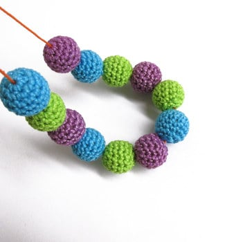 Crocheted beads, 14mm, wood, green, purple, blue, 12pc. (B20067)