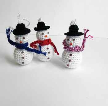 Crochet snowman with scarf, Christmas ornaments, 3pc. (J90003)
