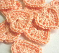 Small peach pink hearts, 0.8 inches, crocheted, 12pc. (A10071)