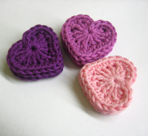 Crocheted hearts, pink, purple, 1,3 inches, 9pc. (A10037)