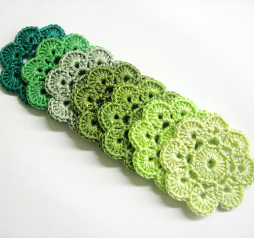 Handmade Crocheted Flower Appliques Motifs in green shades, 7 pc, 2 inches