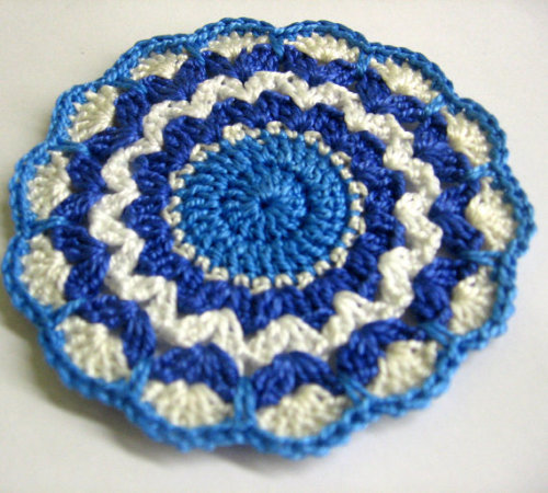 Crocheted mandala applique in white, blue shades 3,5 inches, 1 pc. (A10085)