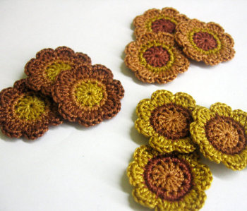 Handmade flower appliques brown, 1,4 inches, 9pc. (A10086)