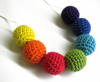 Crocheted beads, rainbow mix, 20 mm handmade round cotton on wood, 7pc. (B20062)