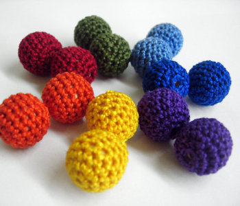 Crocheted beads 18mm, round, dark rainbow mix, 14pc. (B20064)