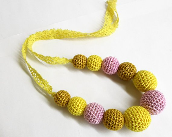 Nursing necklace - crochet wood beads in yellow, pink and golden (H80004)