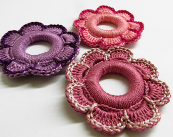 Flower hoops handmade wood pendants, ornaments pink, purple, 5.5 cm, 3pc. (J90006)