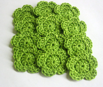 Crocheted cotton tiny flower appliques, 1 inch, green, 12 pc. (A10093)