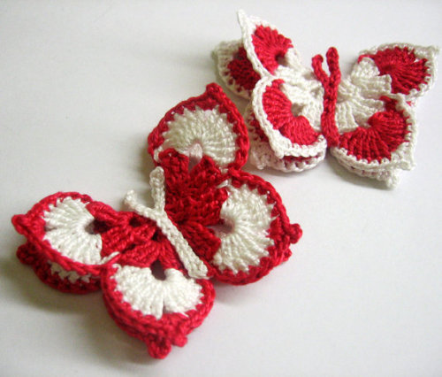 Crocheted Butterfly Appliques, 3 inches (7,5 cm), white and red, 2pc.  (A10