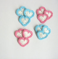 Heart appliques, 0.8 inches, white with blue and pink borders, 12pc. (A10097)