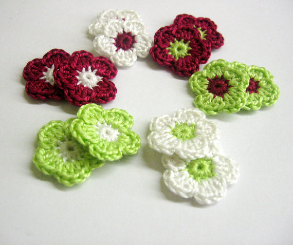 Tiny crochet flower appliques 0.8 inches, white, green, red  mix, 12pc. (A1