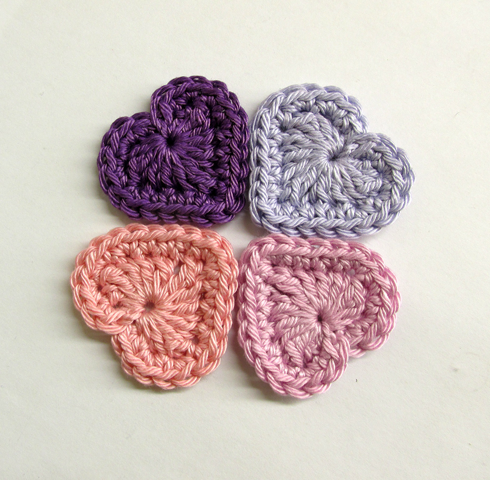 Crocheted hearts, 3cm wide, purple and pink mix, 4 pc. (A10110)