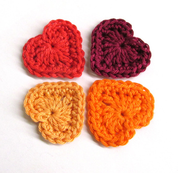 Crocheted hearts, 3cm wide,red and orange mix, 4 pc. (A10111)