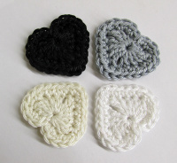 Crocheted hearts, 3cm wide, neutral mix, 4 pc. (A10116)