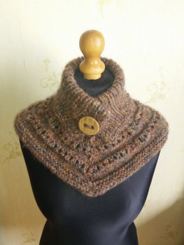 Neck warmer in warm autumn shades, made by BeautifulAndWarm (BW003)