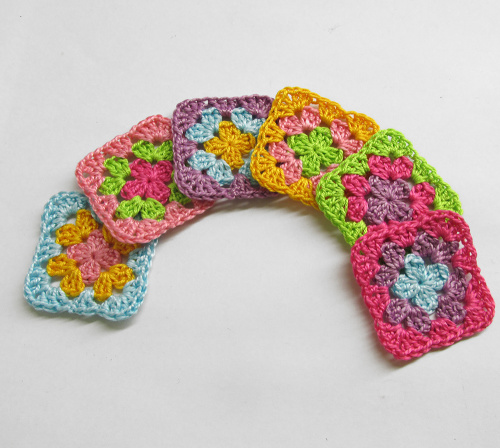 Crocheted granny squares, 1 1/2 inch, colorful mix (1), 6pc. (A10120)