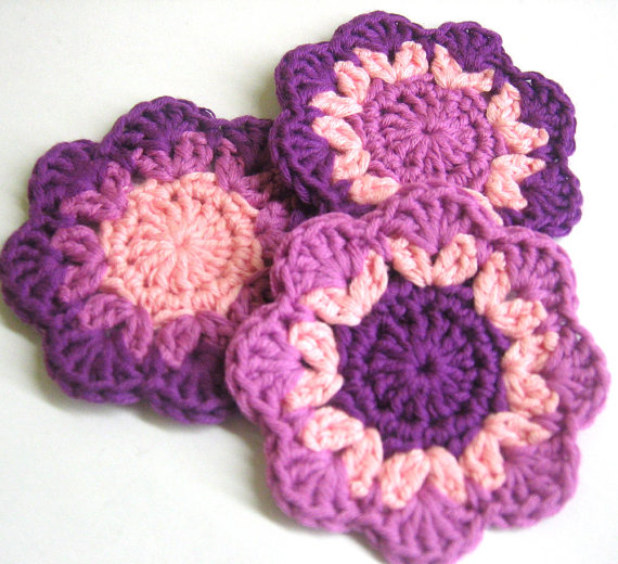 Crochet flower motif appliques, 2,5 inches, pink purple, 3pc.