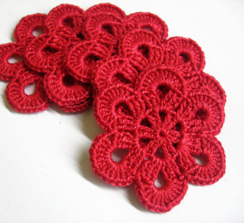 Crocheted flower appliques, large, red, 2,5 inches, 5pc. (A10130)