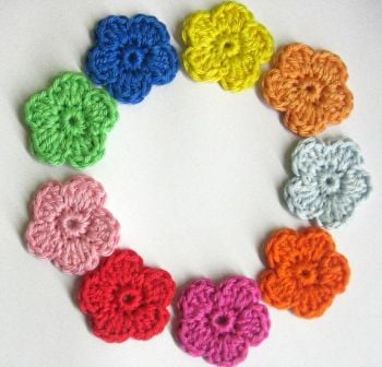 Crocheted flower appliques, colorful mix, 9 pc. (A10133)