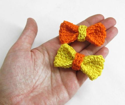 Large crochet bow appliques, yellow and orange, 2 pc. (A10138)