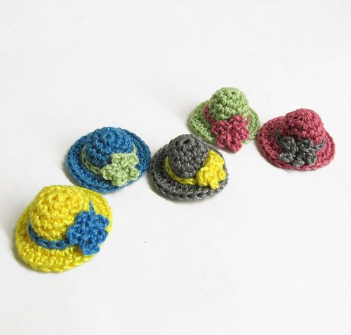 Crochet tiny hat appliques, colorful mix, 1cm x 2,5 cm (1/2 x 1 inch), 5 pc