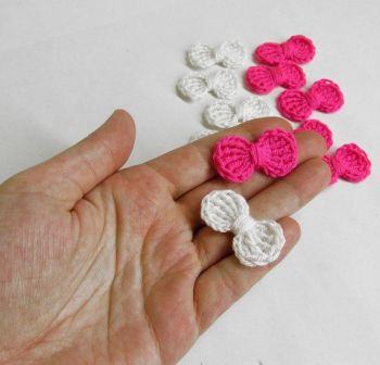 Crochet bow appliques, 12 pc., pink white mix, 3,5 cm wide (A10146)