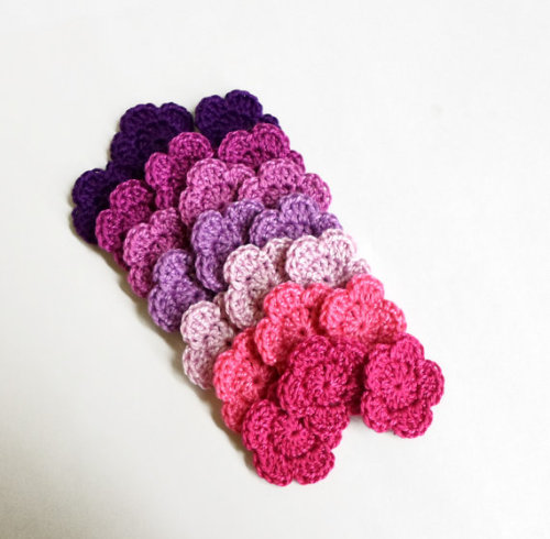 Crocheted 1 inch flowers, 21 pc.- pink and purple mix