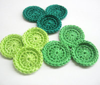 1 inch circle appliques in green shades, set of 12 (A10019)