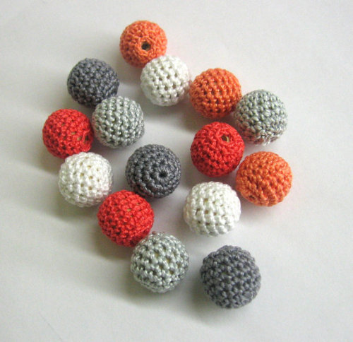 Crocheted beads 18mm handmade round set of 15, coral pink and gray