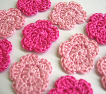 Handmade crocheted 1 inch tiny pink flower appliques, 12 pc. (A10058)