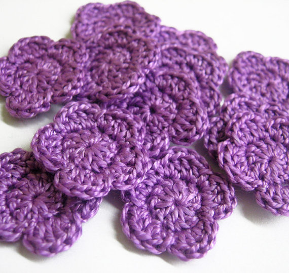 Crocheted flower appliques, purple, set of 12, 1 inch (2,5cm)